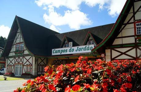 Pacote Campos do Jordão - 2021 Aéreo + Hotel + Aluguel de Carro